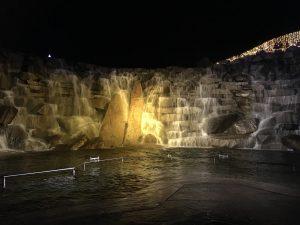 滝 ライトアップ